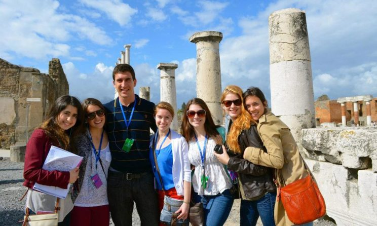 Top 5 Bountiful Benefits Of Studying Abroad You Need To Know!