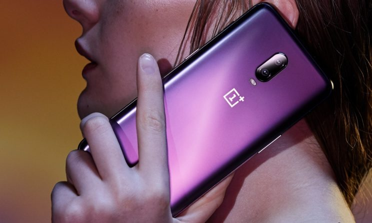 Samsung Galaxy S10e vs OnePlus 6T: Which Is The Next Mid-Range King?