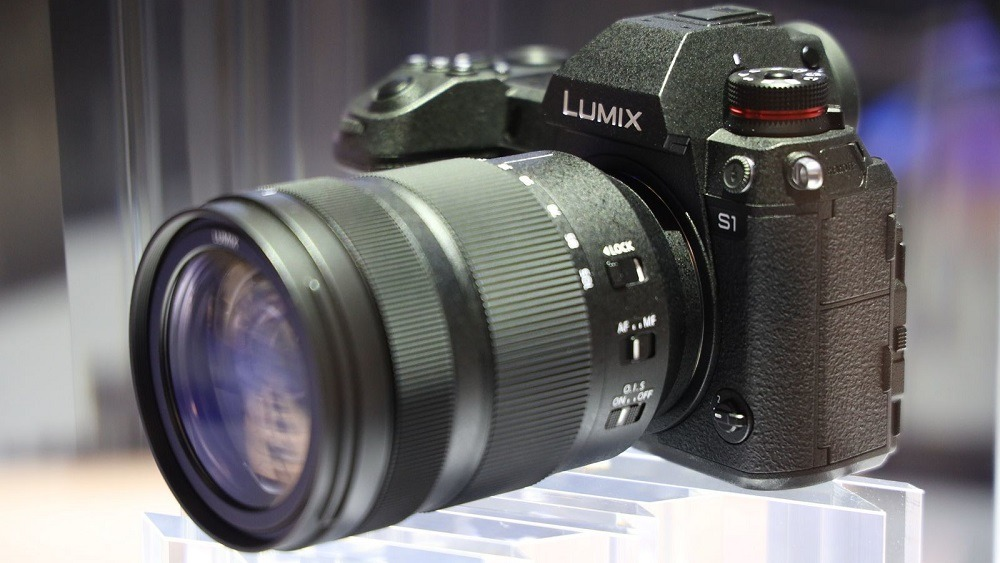 Panasonic Lumix S1R vs Lumix S1: Which Is The Best Full Frame Panasonic Camera?